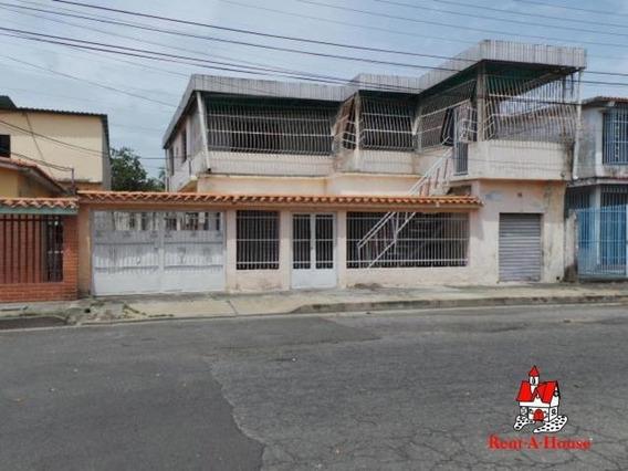 Casa Con Locales En Piñonal, Maracay Zp 20-4078