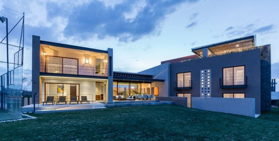 Luxury Residence Located At Las Ventanas Golf Course
