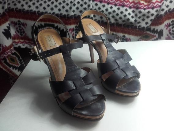 Sandalias Con Plataforma Marca Zara