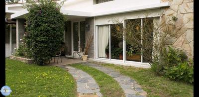 Casa De 3 Dormitorios 2 Baños + Apartamento Monoambiente