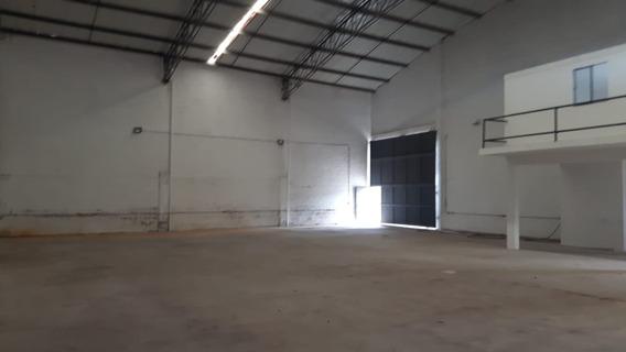 Bodegas En Arriendo Centro Guarne 495-38859