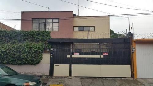 Casa En Renta En Tlalpan En Villa Lázaro Cárdenas, Ciudad De México, Con Jardín