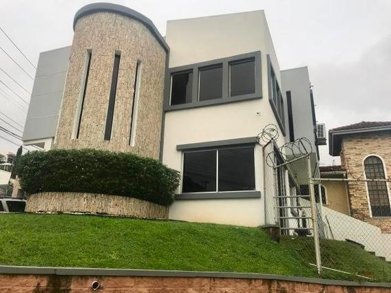 Espectacular Casa En Venta En Altos De Panama Panama