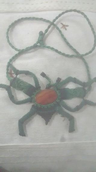 Colar Escaravelho De Macramê