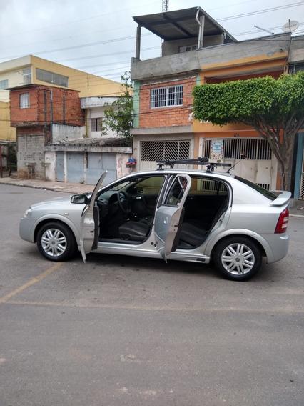 Gm Chevrolet Astra 2.0 2005 Prata 5 Portas