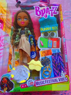 Muneca Bratz Sasha Music Festival Vibes C Accesorios Y Ropa