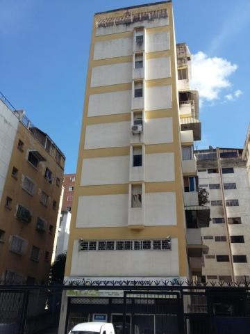Apartamento En Sabana Grande 20-4274 Yanet 0414-0195648