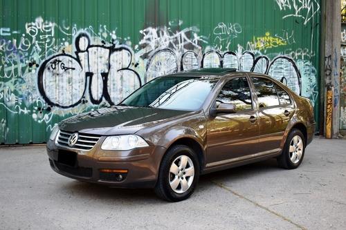 Volkswagen Bora 2.0 Con Gnc De 5° Generación - Permuto