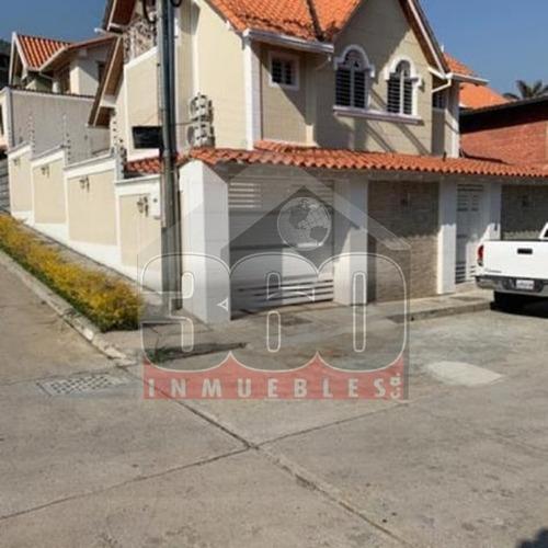 Imagen 1 de 12 de Se Vende Casa En Mérida Avenida Los Próceres