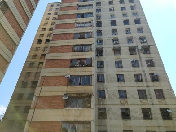 María José Fernándes 20-11026 Vende Apartamento Catia