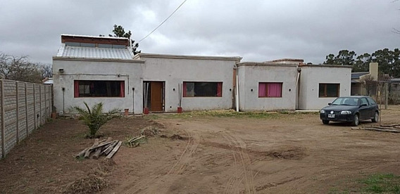 Casa Quinta Con Pileta 3 Dormitorios Amplio Terreno