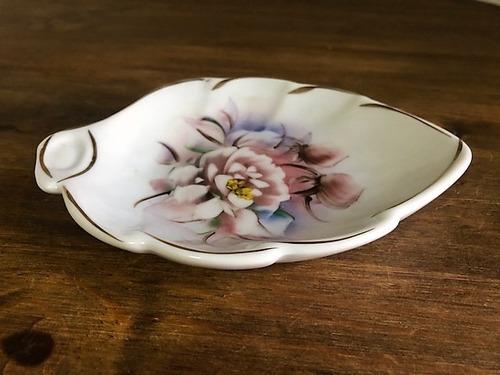 Imagem 1 de 4 de Porta-sabonete Saboneteira Folha Rosa Porcelana Pintada Mão