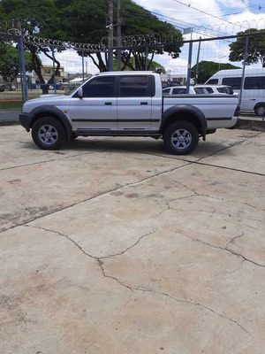 L 200 4x4 Manual Outdoor