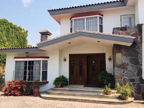 Casa En Renta De Lujo Con Terreno Muy Amplio