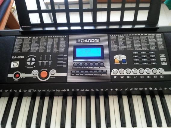 Teclado Musical Danom 61 Combinaciones Musicales