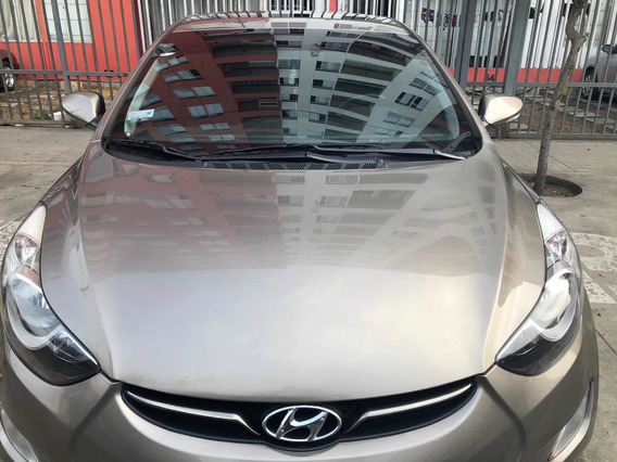 Hyundai Elantra Elantra Full Equipo