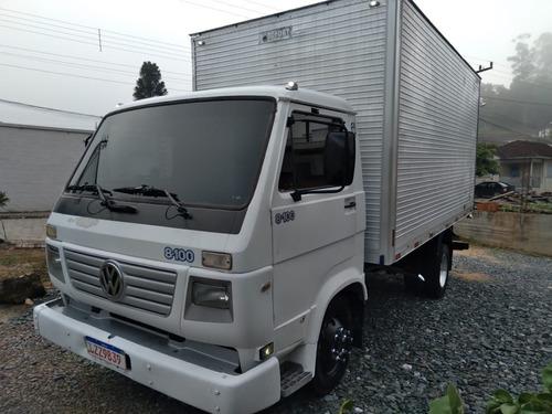 Volkswagen 8-100