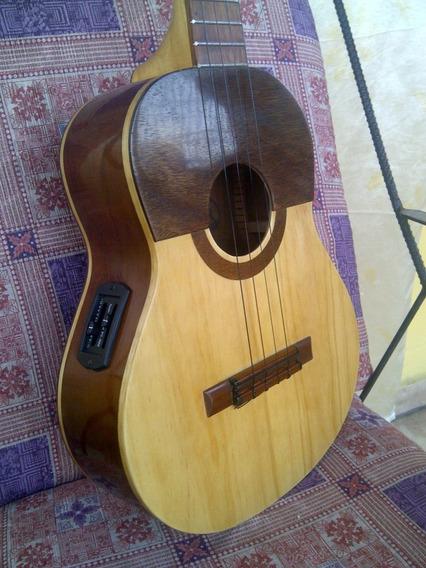 Cuatro Electroacústico. Mod. 01. Luthier Andrés Rodríguez