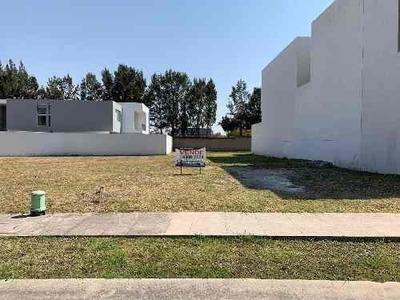 Terreno En Venta En Mítica, Zapopan, Jalisco. Zona Valle Real, La Toscana Y Los Olivos Residencial