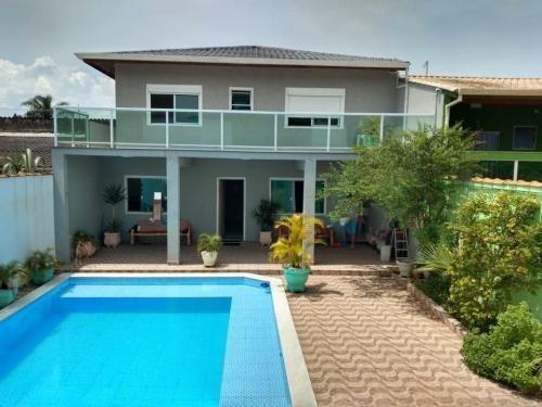 Imagem 1 de 11 de Casa Com Piscina E 3 Quartos Em Peruíbe/sp 6809-pc