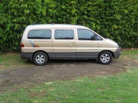 Hyundai Starex Minivan / Microbús 2001 Diesel.