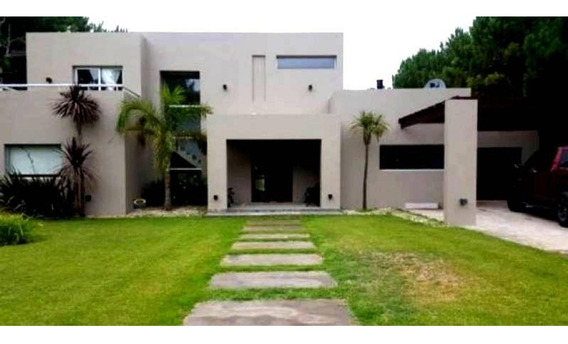 Divina Casa De 5 Ambientes En Alquiler En Barrio La Herradur