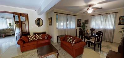 Casa En Residencial Alameda Con 485.03 Mts2