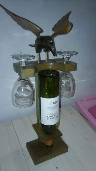 Porta Vino De Palo Santo Con Animalitos De Palo Santo
