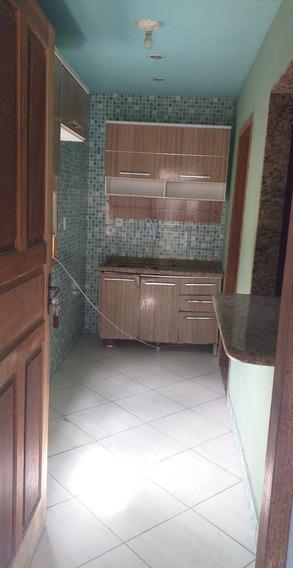Casa Com 2 Quartos, Sala, Cozinha, Banheiro E Área De Serviç