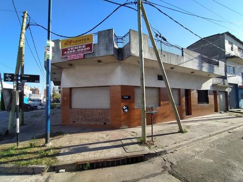 Venta Casa 4 Ambientes En Sarandí Con Cochera Y Local