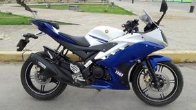 Yamaha R15 Azul Blanca