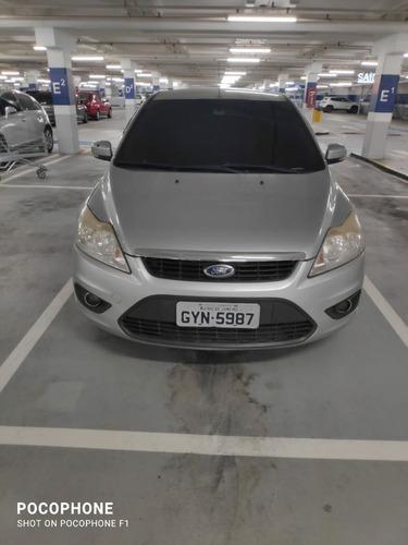 Imagem 1 de 7 de Ford Focus Sedan 2.0 16v Gnv