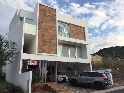 Se Vende Preciosa Casa En Punta Esmeralda, De Lujo Y De Autor !!
