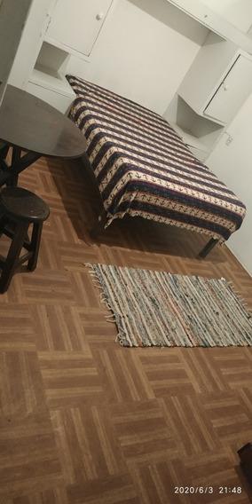 Habitación Individual O A Pareja. En Apartamento Compartido.