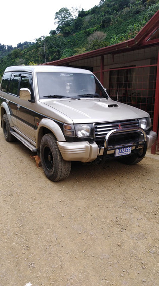 Mitsubishi Montero Color Dorado 2.5 Turbo Diesel Intercoler