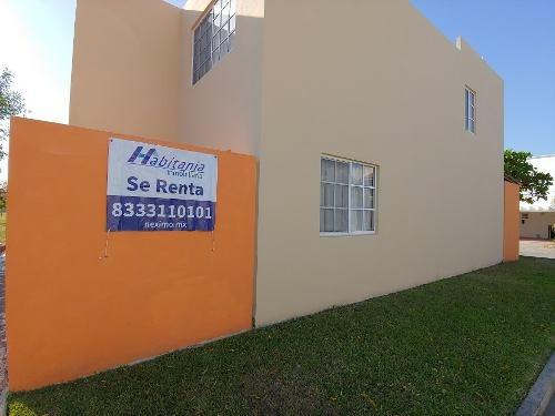 Casa En Renta En Fraccionamiento Cerrado Con Caseta De Vigilancia