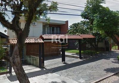 Casa Em Teresópolis Com 4 Dormitórios - Bt8606