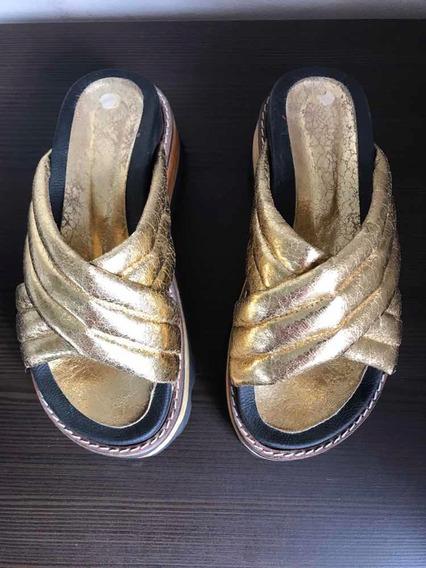 Sandalias Zuecos Savage 37 Dorados Impecables