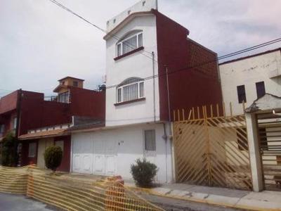 Casa En Renta En El Fraccionamiento Santa Elena En San Mateo Atenco