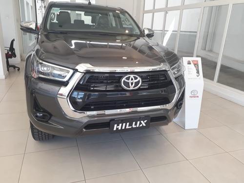 Toyota Hilux 2.8 Cd Srv 177cv 4x2 At Mlet