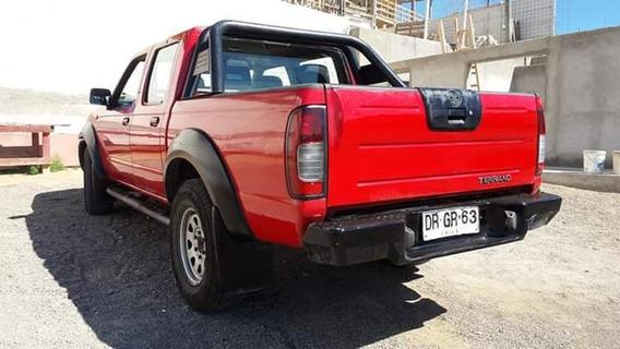Camioneta Nissan Terrano 4x4 Turbo Diesel Airbag Color Rojo