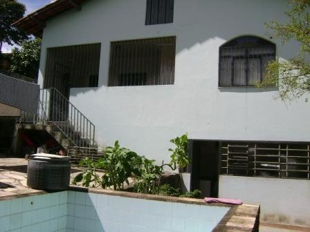 Excelente Casa Com Três Quartos. - 1138