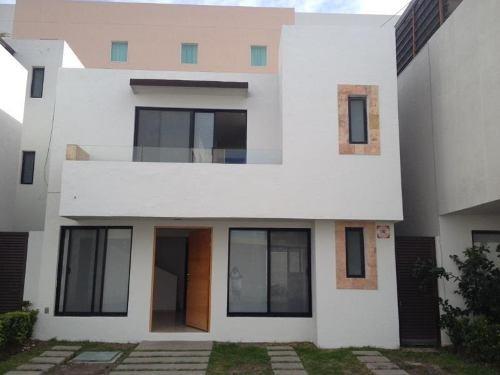 Casa Sola En Renta Fracc Juriquilla Santa Fe