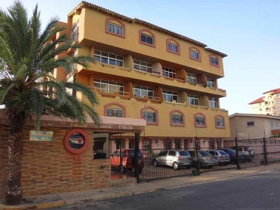 Apartamento Tipo Estudio En Casco Central De Lecheria