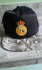 2ed5e66190ac0 Gorras Planas Del Real Madrid en Mercado Libre Venezuela
