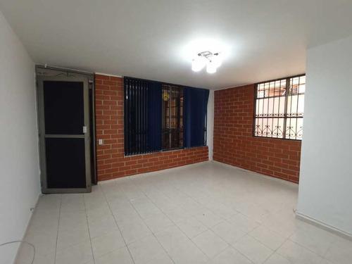 Se Arrienda Local Interno Para Oficina, Zona Centro Envigado Antioquia