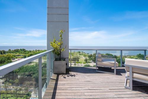 Exclusivo Penthouse Con Terraza Con Vista Al Rio En Venta En El Complejo Horizons