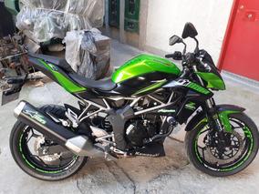 Kawasaki Z 250 Sl. Verde