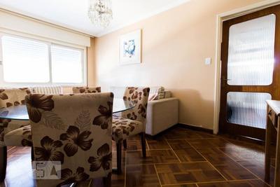 Apartamento No 4º Andar Mobiliado Com 2 Dormitórios - Id: 892905748 - 205748