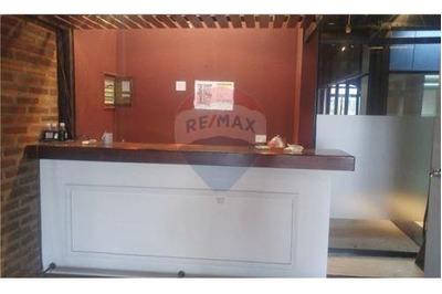 Oficinas Con 2 Cocheras /vista Al Dique/semi Amobl